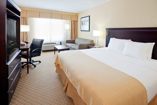 King Bed Guest Room at the Holiday Inn East Windsor - Cranbury NJ