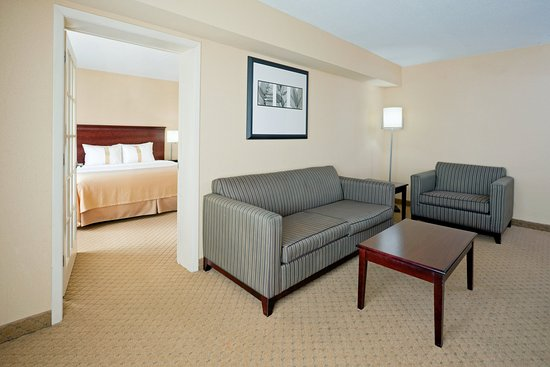 East Windsor, Nueva Jersey: Junior Suite with Wet Bar, Microwave, Mini Fridge