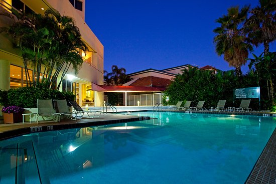 Holiday Inn Palm Beach-Airport Conference Center: Swimming Pool