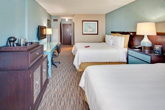 Glen Ellyn, Илинойс: Queen Bed Guest Room