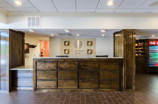 Comfort Inn Randolph: Lobby