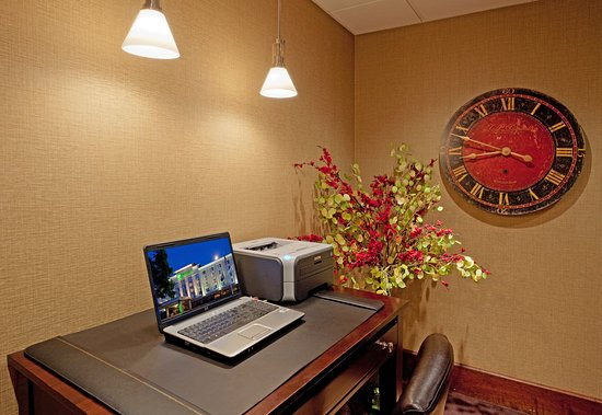 Holiday Inn Portsmouth NH Business Center