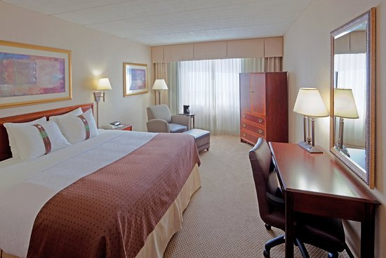 Holiday Inn Portsmouth: Clean and comfortable with great amenities