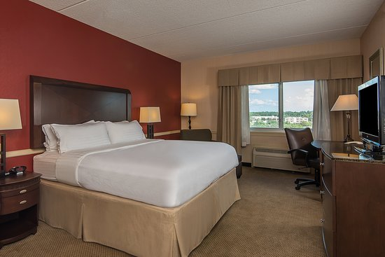 Taunton, MA: King Suite Bedroom