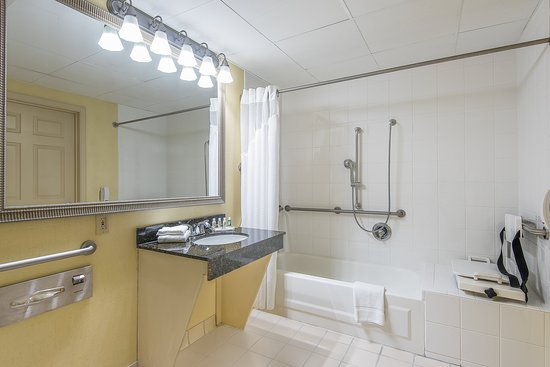 Taunton, MA: ADA/Handicapped accessible Guest Bathroom with mobility tub