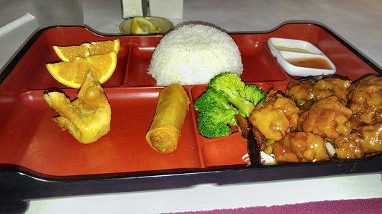 Tsai's Chinese Bistro