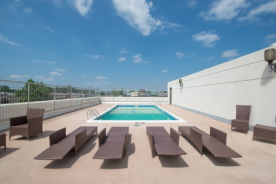 Holiday Inn Totowa : Swimming Pool