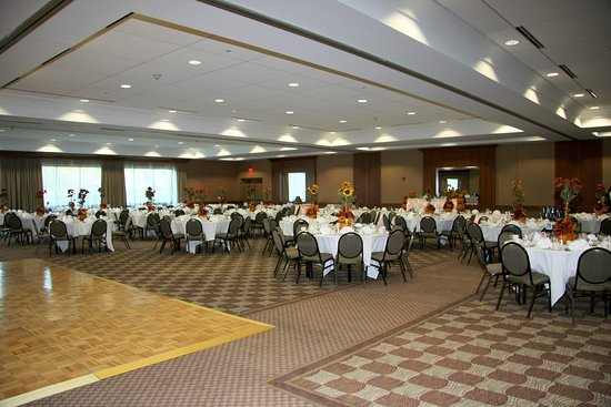 Liverpool, NY: Cotillion Room