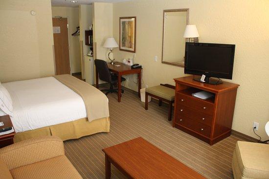 เฮอร์ริเคน, เวสต์เวอร์จิเนีย: King Bed Guest Room