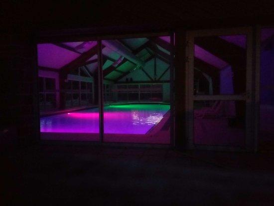 Sulniac, Francja: De nuit mais on ne peut pas s'y baigner (fermeture à 20h)