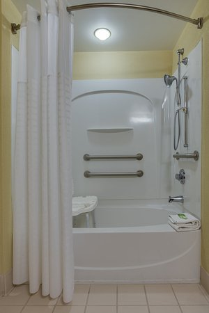 Sebring, FL: Accessible Tub with Seat