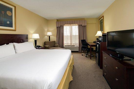 Sebring, FL: King Bed Standard Room