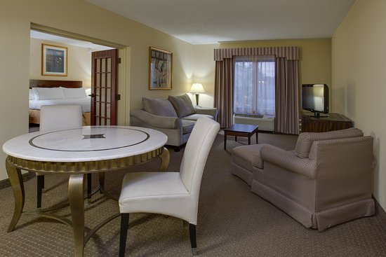 Sebring, FL: 2 Room King Bed Executive Suite