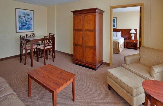 Holiday Inn Mayaquez & Tropical Casino: Junior Suite