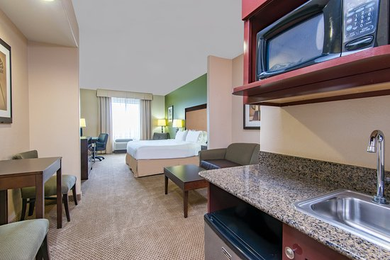 Holiday Inn Express Hotel & Suites Phoenix-Glendale: Suite