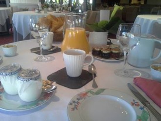 Le Medicis Hotel: Petit déjeuner