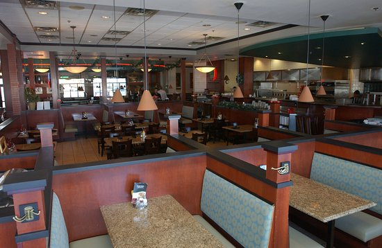 Holiday Inn Hotel & Suites Owatonna: 43rd Street Pub & Grill