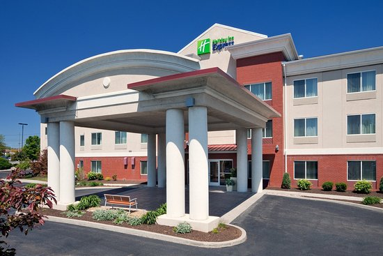 Holiday Inn Express Irondequoit: Hotel Exterior