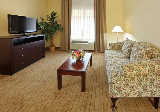 Holiday Inn Express Fort Smith: Jacuzzi Suite