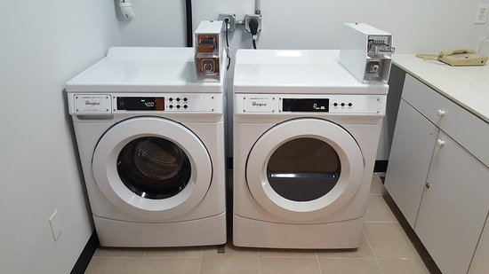 Waterford, MI: Guest Coin Operated Washer and Dryer