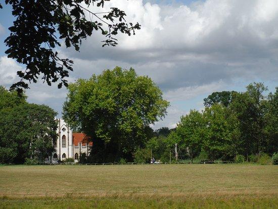 Park Pfaueninsel: ПАВЛИНИЙ ОСТРОВ
