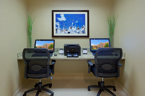 Holiday Inn Express Baltimore - BWI Airport West: Get work done or check email at our convenient business center