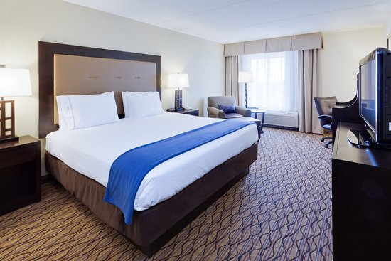 Holiday Inn Express Baltimore - BWI Airport West: Rest easy in our King bed room featuring complimentary WIFI