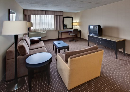 Holiday Inn Express Chicago Palatine: Holiday Inn Express Palatine-Arlington Hts Chicago NW-Jacuzzi Ste.