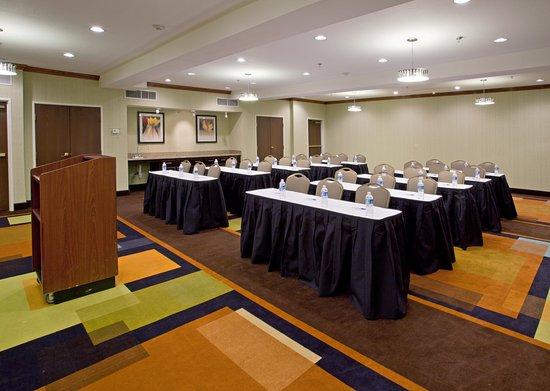 Holiday Inn Express Arlington : Meeting Room