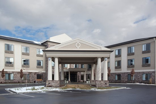 Holiday Inn Express Hotel & Suites Airport East
