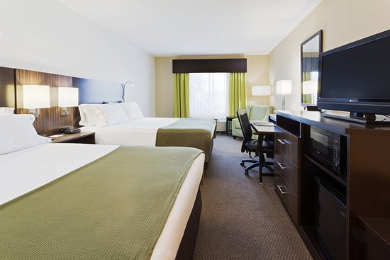 Holiday Inn Express Hotel & Suites New Tampa I-75 Bruce B. Downs: ADA/Hearing accessible Two Queen Guest Room