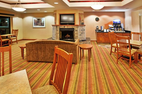 Sioux Center, IA: Guest Dining Lounge
