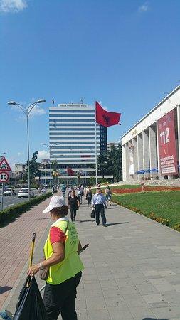 Skanderbeg-Platz: 20160811_150958_large.jpg