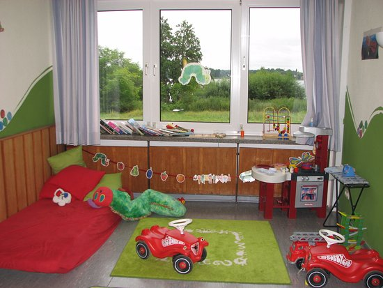 Bad Malente, Jerman: children playing room