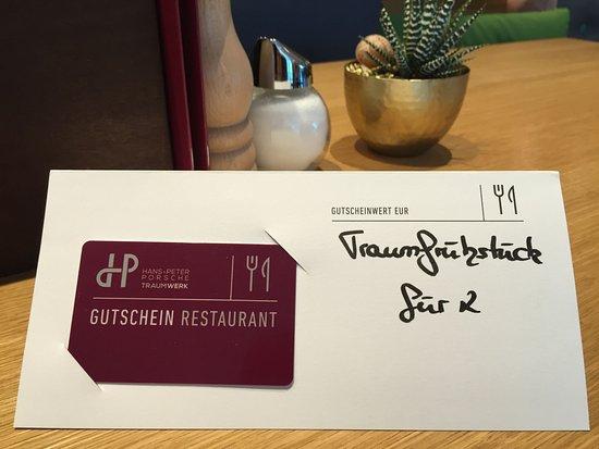 Hans-Peter Porsche TraumWerk: Sehr schönes Traumfrühstück für 2 Personen