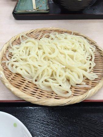 Shunan, Japón: 肉うどんと細切りざるうどん