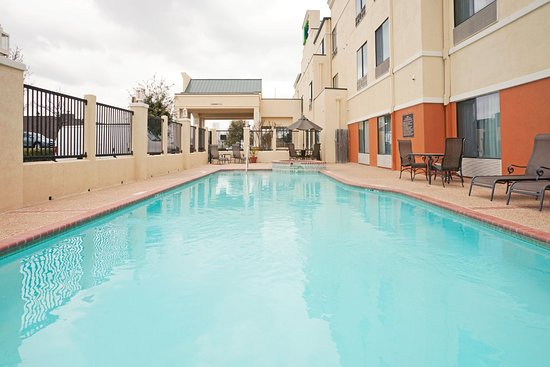 Holiday Inn Express Round Rock: Swimming Pool