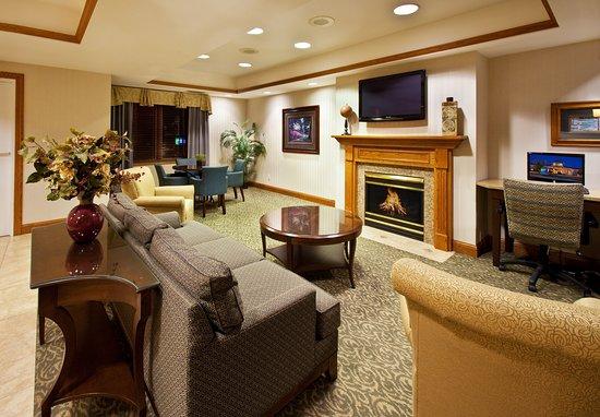 Pella, Айова: Hotel Lobby