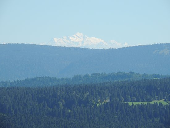 Le Pré Oudot : White Mount (Europe highest point seen from Mount Chateleu (1o km from pre -oudot)