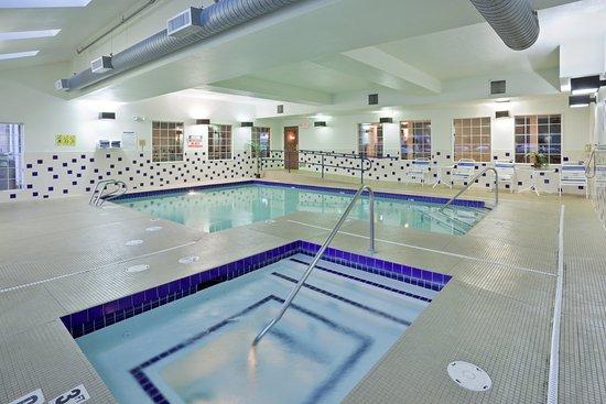 Holiday Inn Express Wenatchee: Swimming Pool