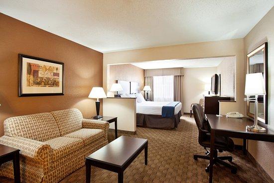 Tuscola, IL: Executive Room