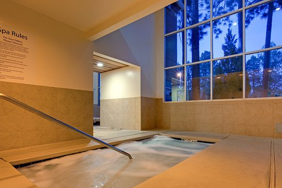 Holiday Inn Express Pinetop: Whirlpool