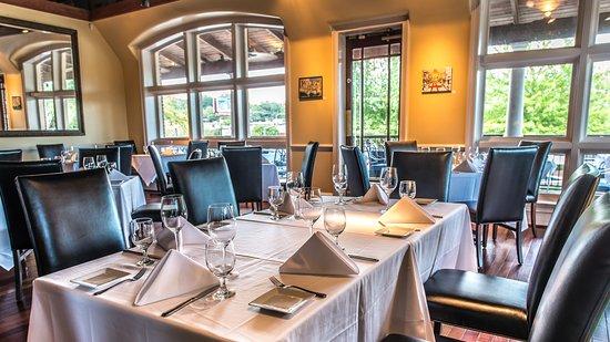 Saluda's Restaurant: Main Dining Room