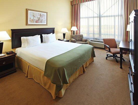 Holiday Inn Express & Suites Shreveport: Suite