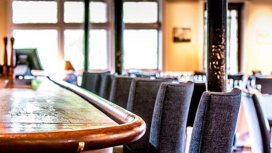 Saluda's Restaurant: Bar