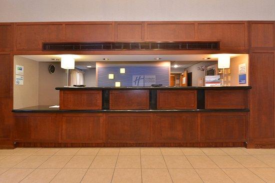 Seaford, DE: Front Desk