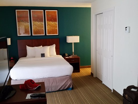 Residence Inn Tysons Corner: Pleasing design and decorating