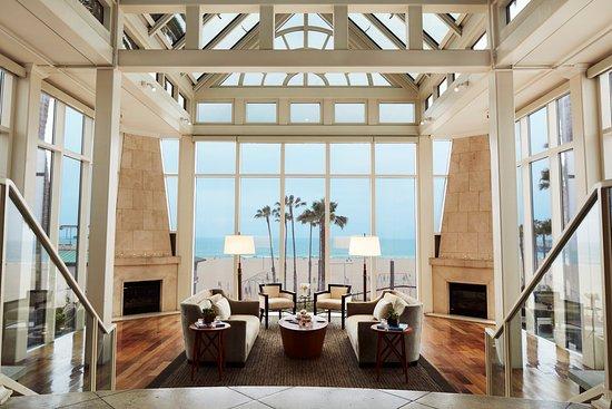Loews Santa Monica Beach Hotel: Fireside Lounge