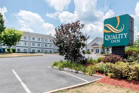 Quality Inn : Exterior