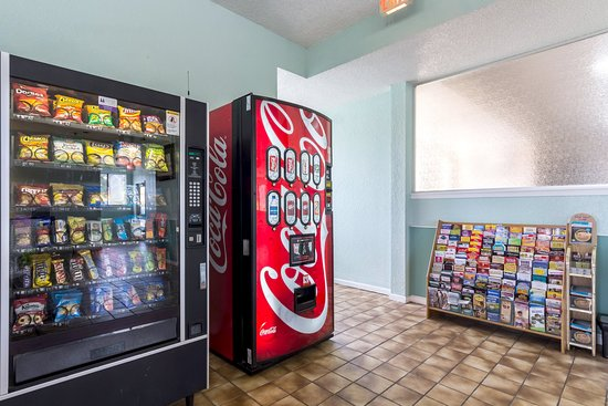 Rodeway Inn at Six Flags: Vending